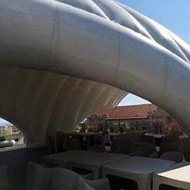 Fliegende Dächer